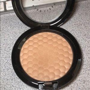 Mac powder highlight
